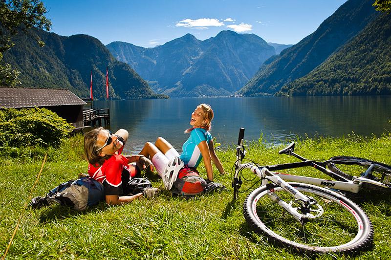Mountainbiken am Hallstätter See -©Oberösterreich Tourismus / Erber
